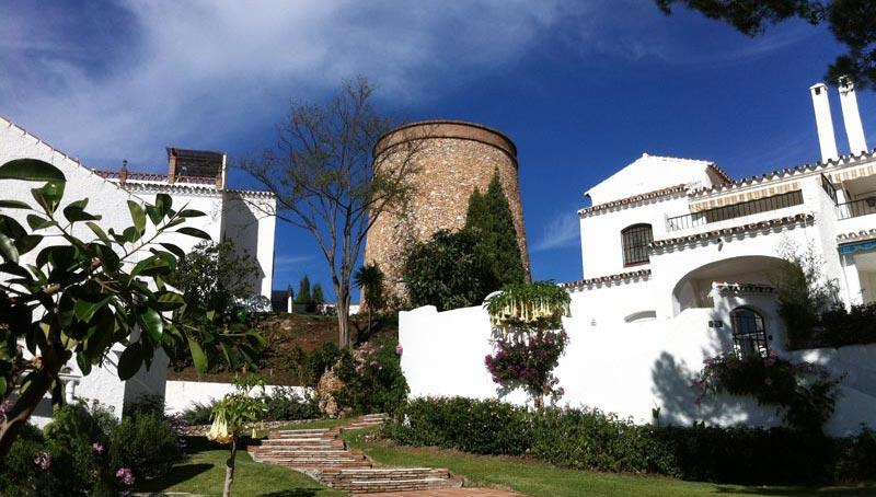 Holiday apartments in nerja san juan de capistrano for Casa jardin nerja